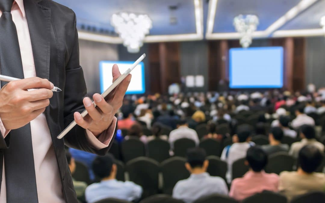 20 Great Public Speaking Tips | EI Experience